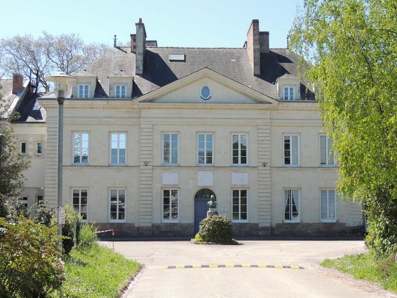 Chateau entr+®e