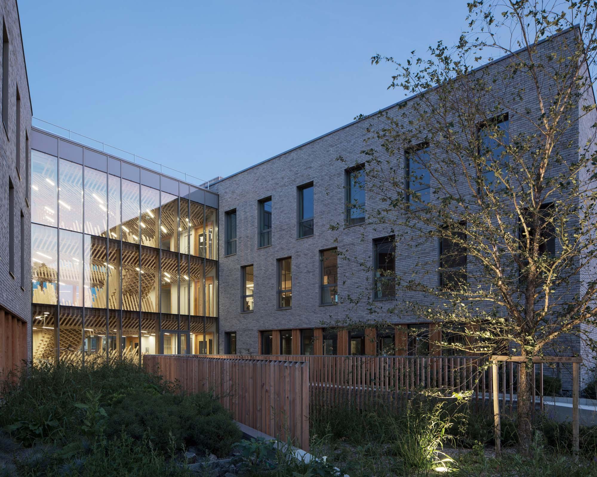ardepa visite architecturale 2018 bureaux metronomy saint herblain forma6 tolefi promotion